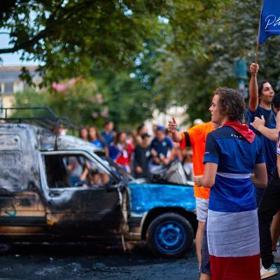Voiture brûlée Bordeaux coupe du monde